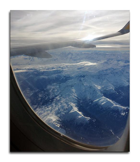 Les Alpes sous les ailes de l'avion
