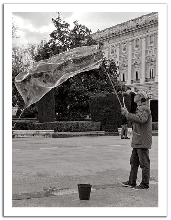Dresseur de bulles à Madrid